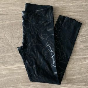 Fabletics Black Leggings with Shiny Details Small